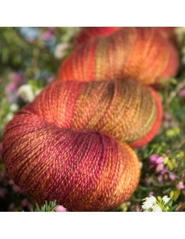 Nina Hand Dyed Yarns Lyra Farbe...